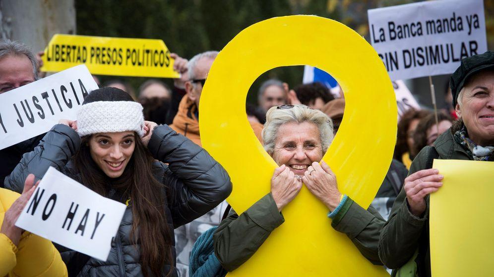 Foto: Concentración convocada ante la sede del Tribunal Supremo en Madrid bajo el lema 'No hay Justicia'. (EFE)