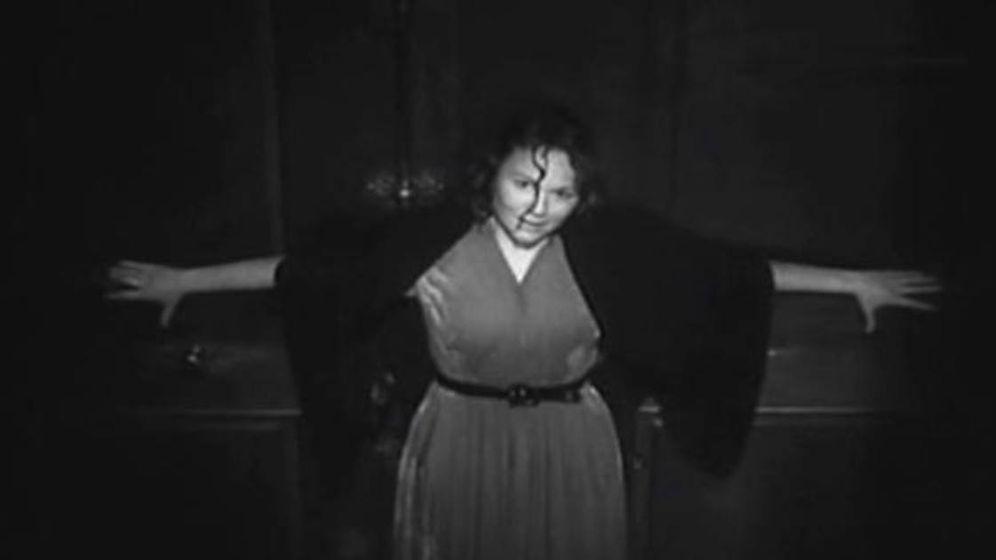 Foto: Susana Canales es Emilia, la protagonista de 'cielo negro' (1951) de Manuel Mur Oti. (Flixolé)