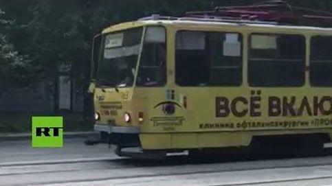 Un tranvía circula sin conductor y causa un accidente en Rusia