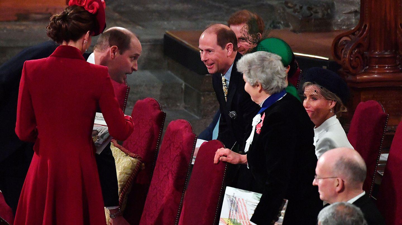 Eduardo, saludando a los Cambridge. (Reuters)