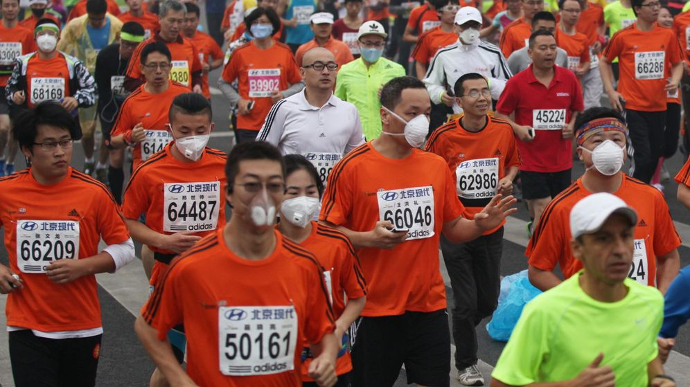 Foto: Carrera en China con un alto nivel de contaminación. (Reuters)