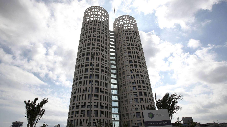 Vista de las Torres de Hércules Business Center, el edificio de oficinas más alto de Andalucía. (EFE)