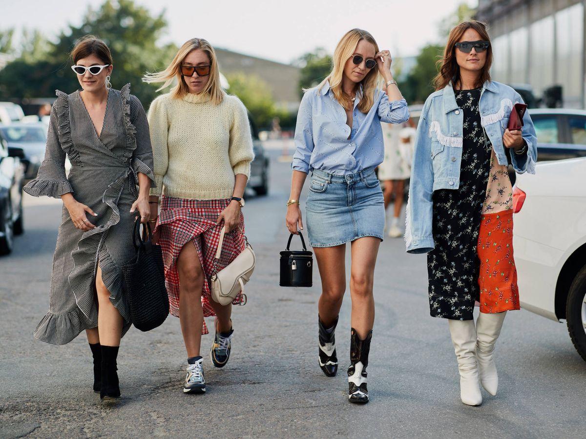 Foto: La tendencia del bolso de cubo se adueña del 'street style'. (Imaxtree)
