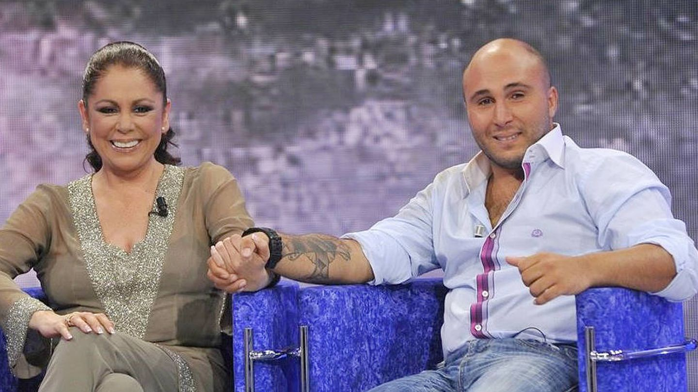 Isabel Pantoja y Kiko Rivera, en 'Supervivientes 2011'. (Mediaset España)