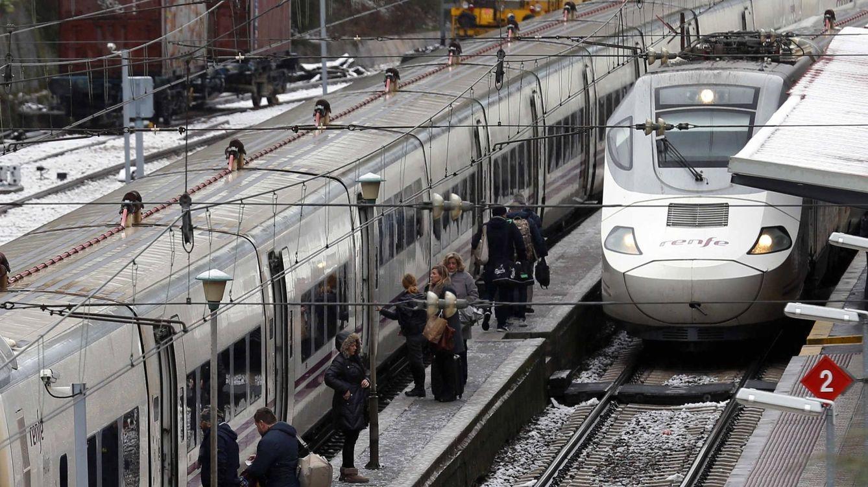 El temporal provoca una avería que afecta a 20 trenes y 2.500 pasajeros