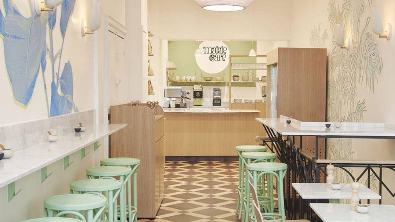 Colores pastel y madera clara, las señas de identidad 'deco' de Maisie Cafe.