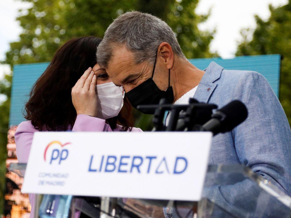 Foto: Ayuso, junto a Cantó. (EFE)