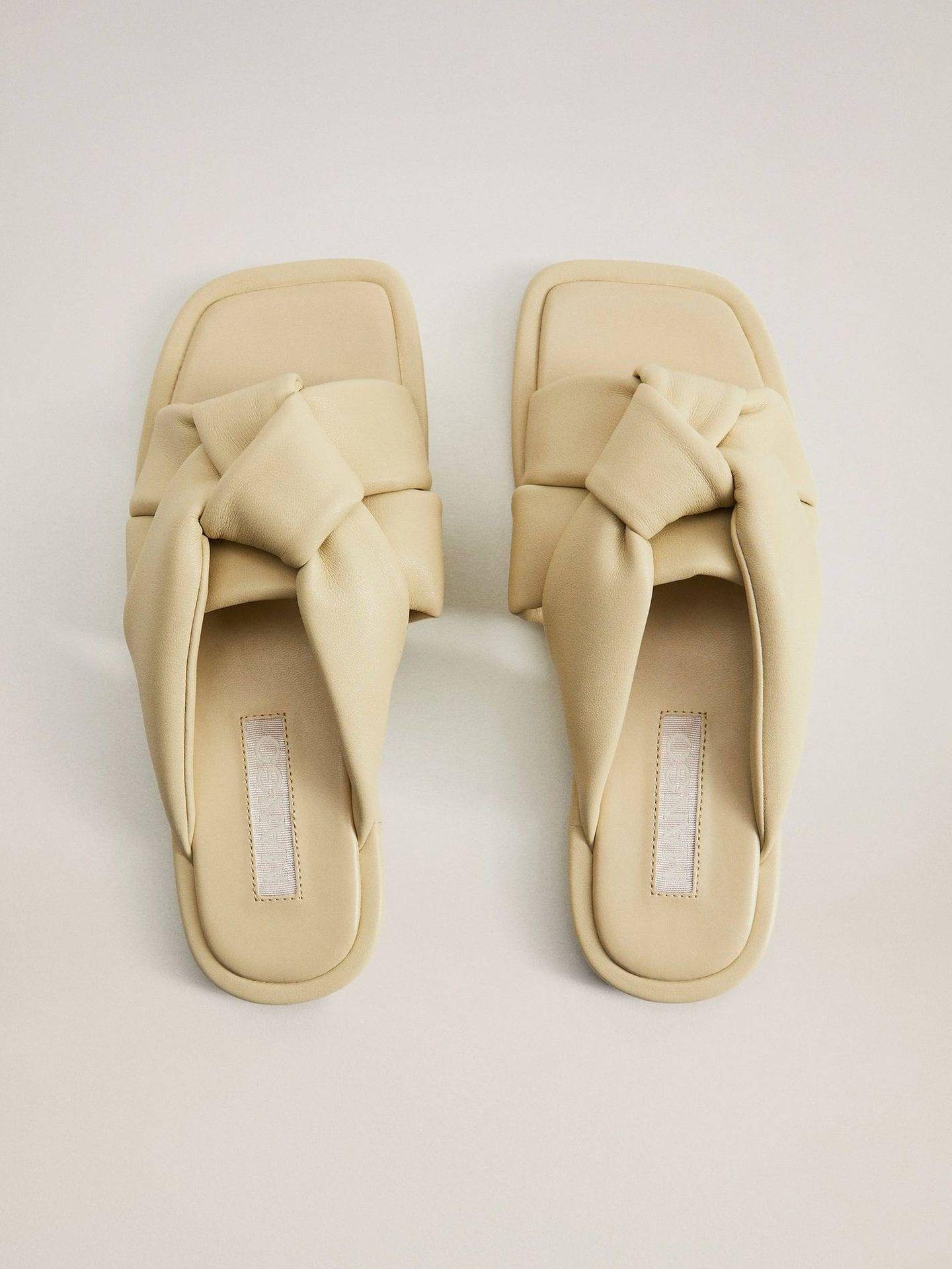 Las sandalias planas de Mango. (Cortesía)