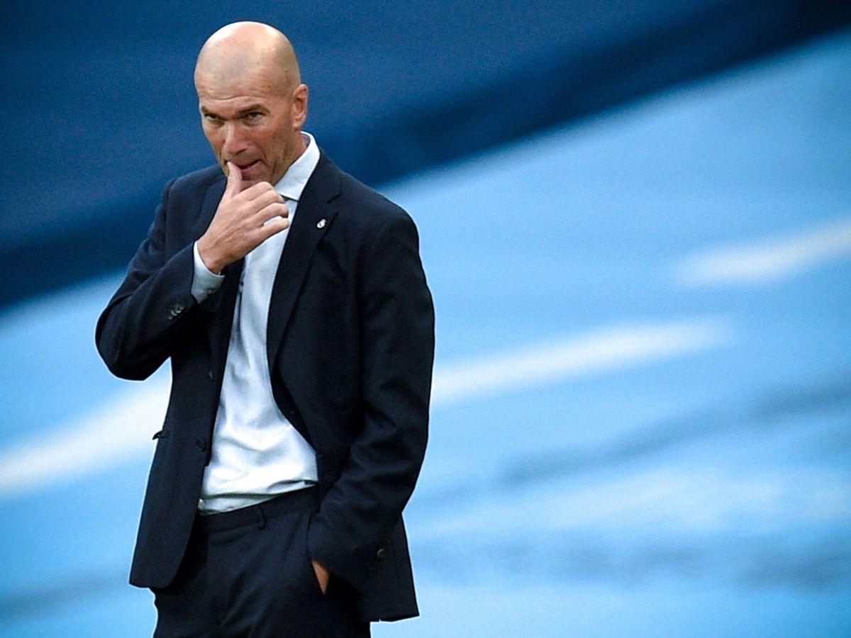 Foto: Zinedine Zidane, durante el Manchester City-Real Madrid (Efe).