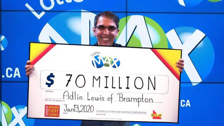 Gana el mayor premio de la lotería de Canadá y no puede aguantarse la sorpresa