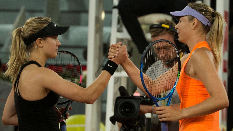 Foto: Bouchard y Sharapova se saludan al terminar el partido. (Reuters)
