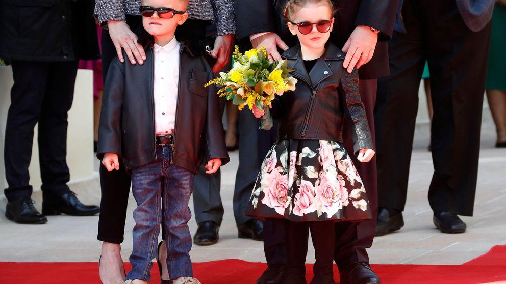 Jacques y Gabriella, dos pequeños 'rockeros' en su último acto oficial