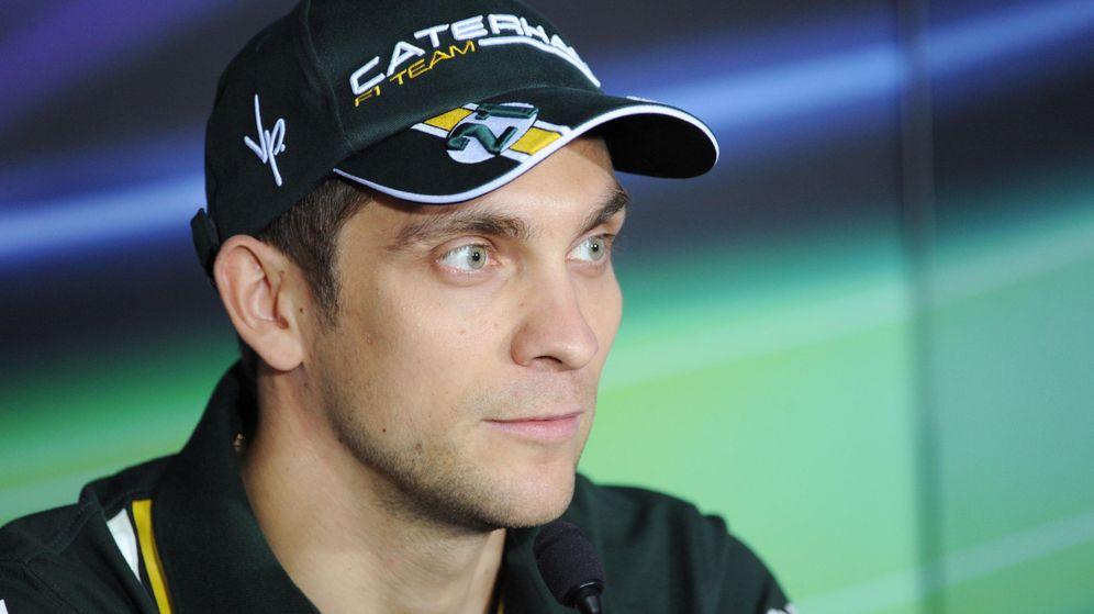 Foto: Petrov durante la rueda de prensa del GP de Abu Dabi 2012.