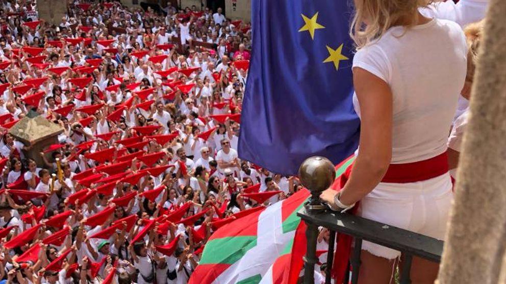 La alcaldesa socialista de Viana permite a Bildu colgar la ikurriña durante el chupinazo