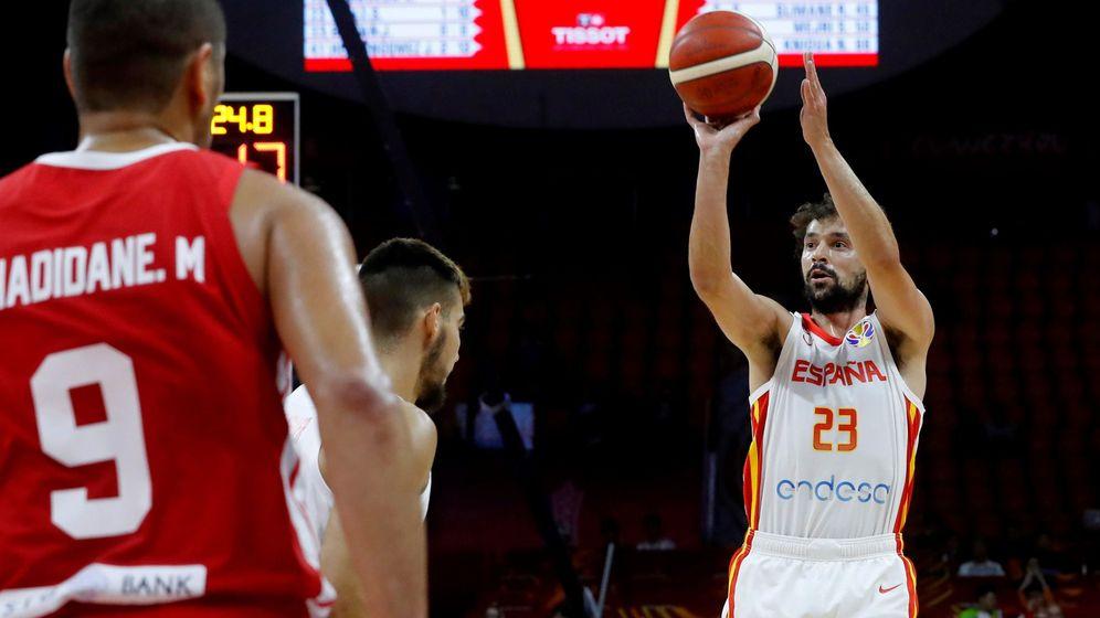 Foto: Sergio Llull anotó cuatro triples en la victoria de España ante Túnez. (EFE)