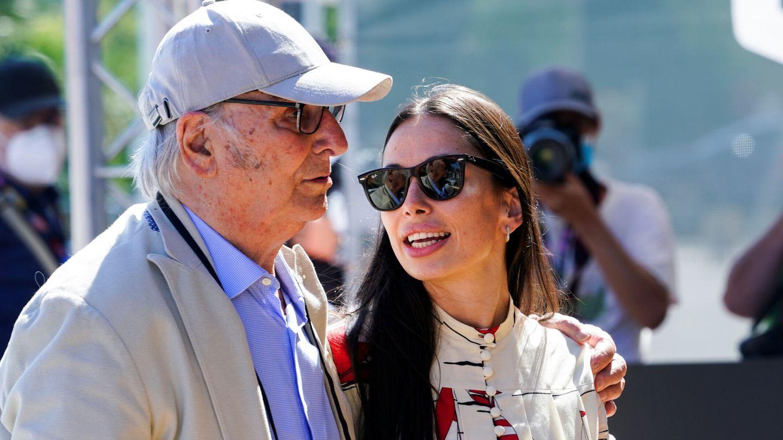 Carlos Saura y su hija Anna Saura en la presentación de 'Rosa Rosae' en San Sebastián. (EFE)