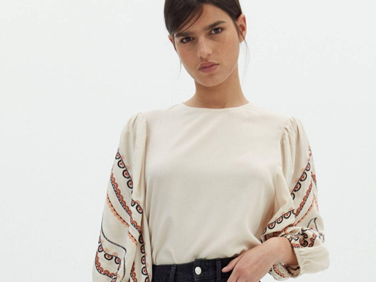 Foto: Esta camisa bordada de Sfera te va a convencer. (Cortesía)