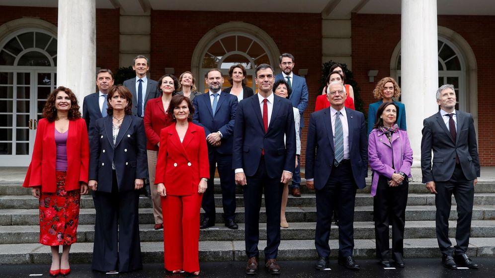 Foto: Sanchez y sus ministros. (Efe)