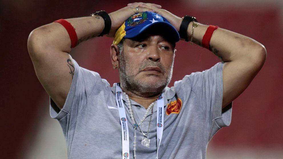 El último lío de Maradona como técnico por pedir ganar el cuádruple de sueldo