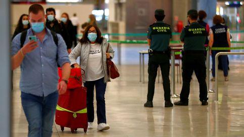 Los aeropuertos reabren con normalidad a pesar de las críticas a los controles