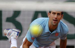 Djokovic y Federer avanzan en otra buena jornada para los españoles