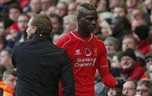Rodgers sacrifica a Balotelli para evitar las burlas que sufrió Moyes