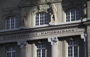 Pánico en el mercado de divisas: consecuencias del 'tsunami' suizo