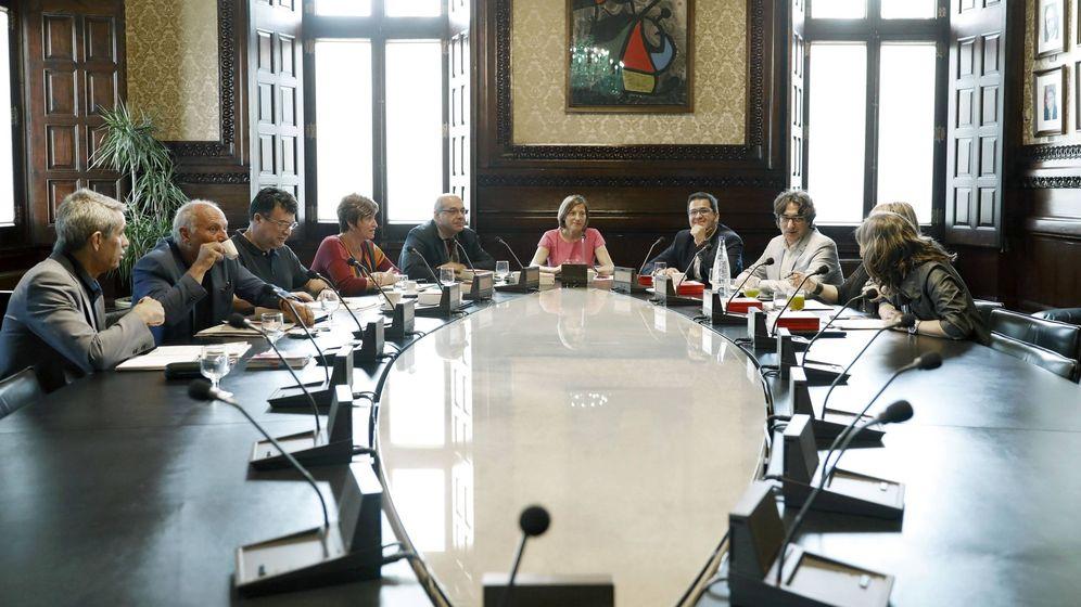 Foto: La presidenta del Parlament, Carme Forcadell, ha presidido hoy la reunión de la Mesa del Parlament. (EFE)