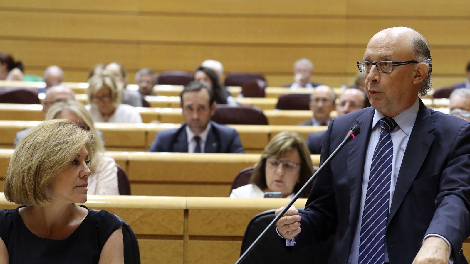 Foto: La mayoría del Congreso reprueba a Montoro por beneficiar a los defraudadores. (EFE)