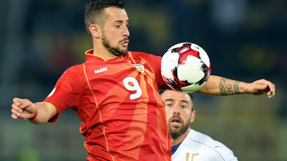 Foto: Nestorovski marcó el primero de los dos goles macedonios en el partido del mes pasado contra Italia (Georgi Licovski/EFE-EPA)
