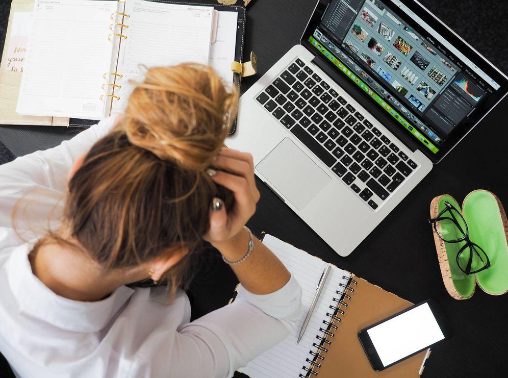 Foto: Las extensas jornadas laborales y los problemas para conciliar lo explican. (iStock)