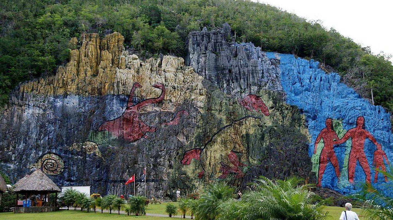 Mural de la Prehistoria, en el Valle de Viñales de Cuba (CC)