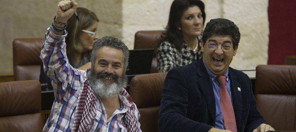 Foto: El coordinador general de IU, Diego Valderas (d), y el diputado y alcalde de Marinaleda, Juan Manuel Sánchez Gordillo. (EFE)