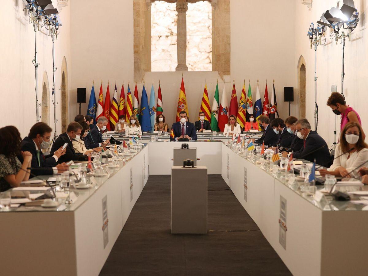 Foto: El presidente del Gobierno, Pedro Sánchez durante la XXIV Conferencia de Presidentes, este viernes en Salamanca. (EFE)