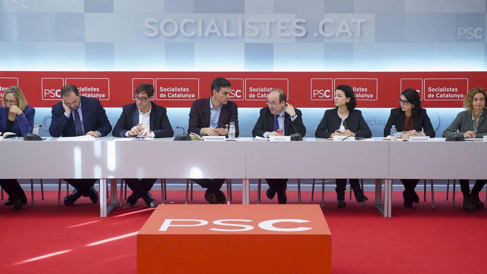 Sánchez busca salir del 'procés' y marcar perfil social y de izquierdas