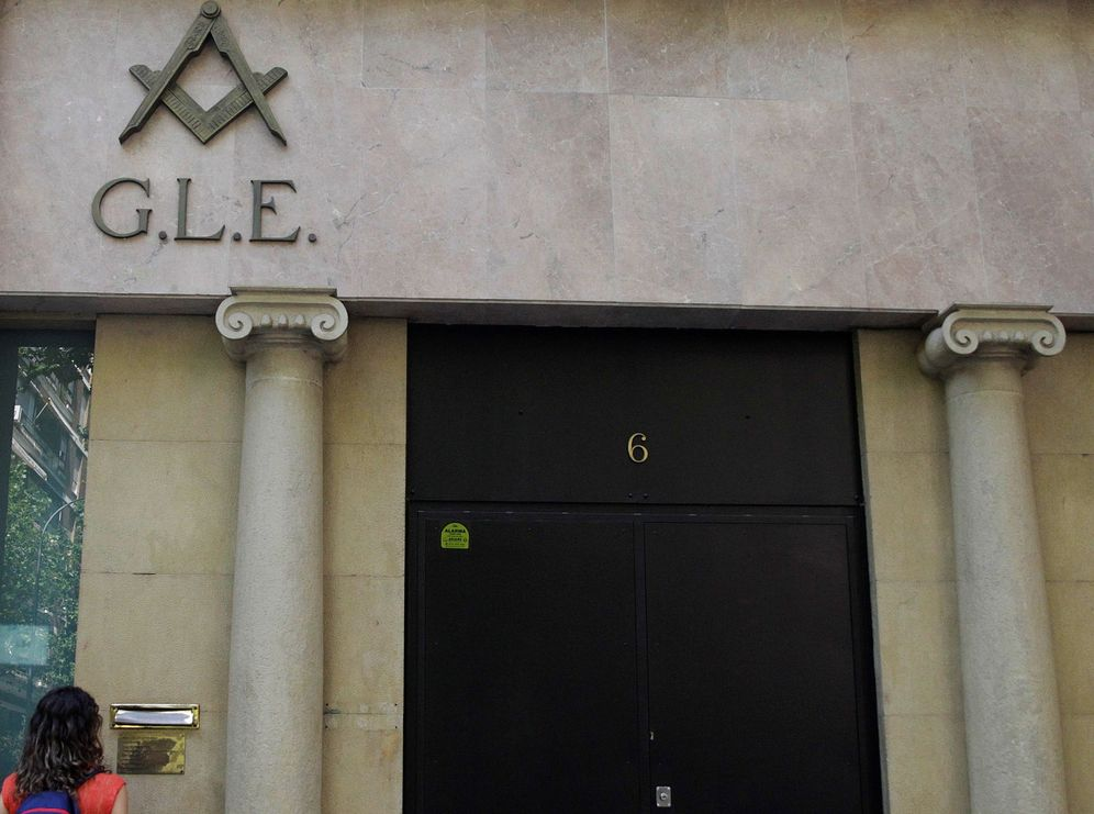 Foto: Fachada de la sede de la Gran Logia de España en Madrid. (EFE)