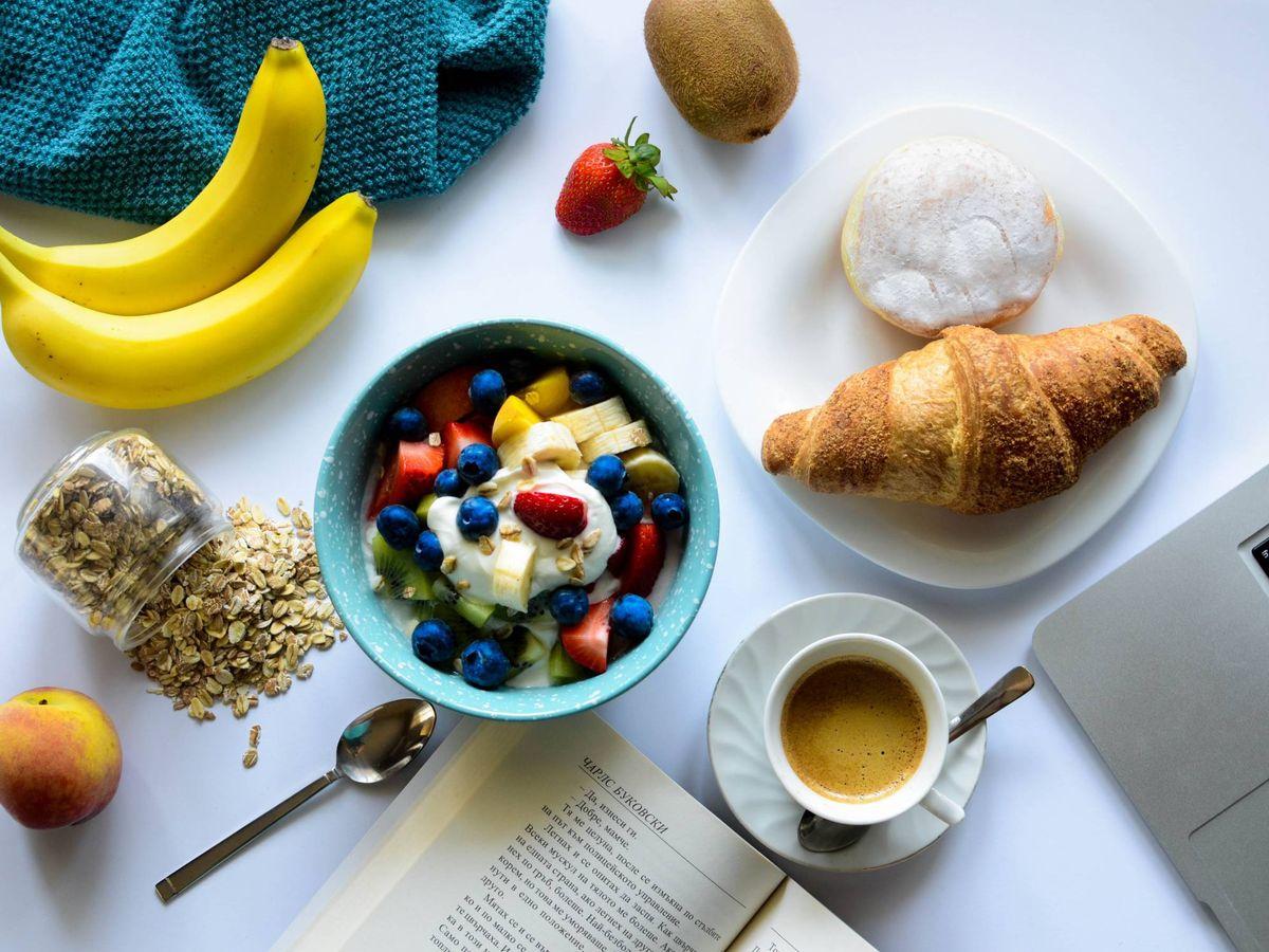 Foto: Desayunos para empezar el día con energía. (Ivan Timov para Unsplash)