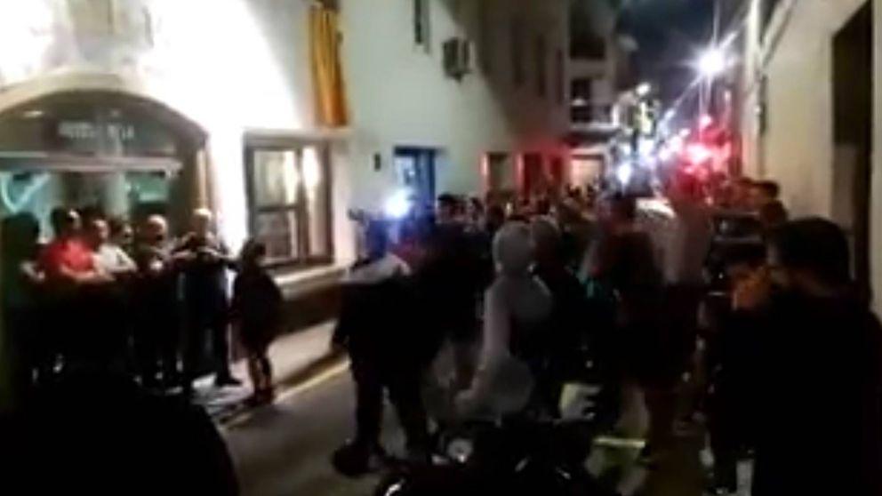 #OfrezcoMiCasa, catalanes dan cobijo a policías y guardias civiles: Ya siento asco