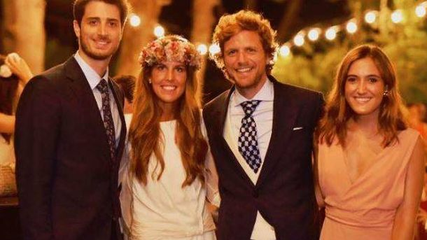 Foto: Álvaro de la Lama y su mujer junto a dos amigos (Instagram)