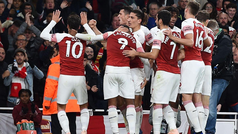 Los jugadores del Arsenal celebran un gol. (Reuters)