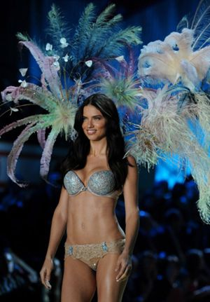 Adriana Lima se siente más sexy que nunca