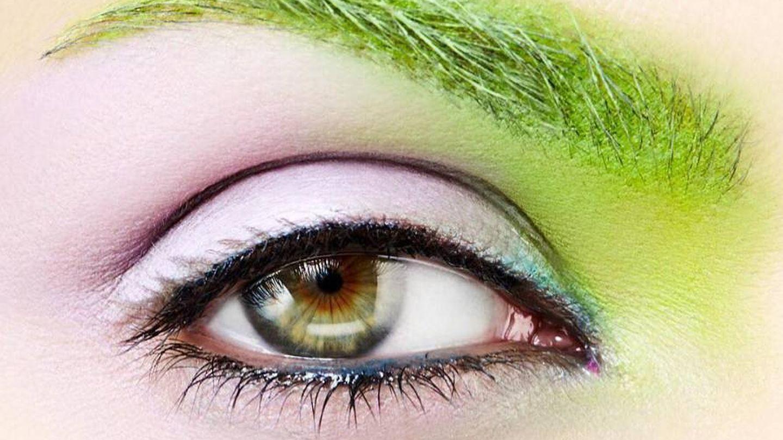 Verde menta para unas cejas de color castaño. (Foto: Instagram)