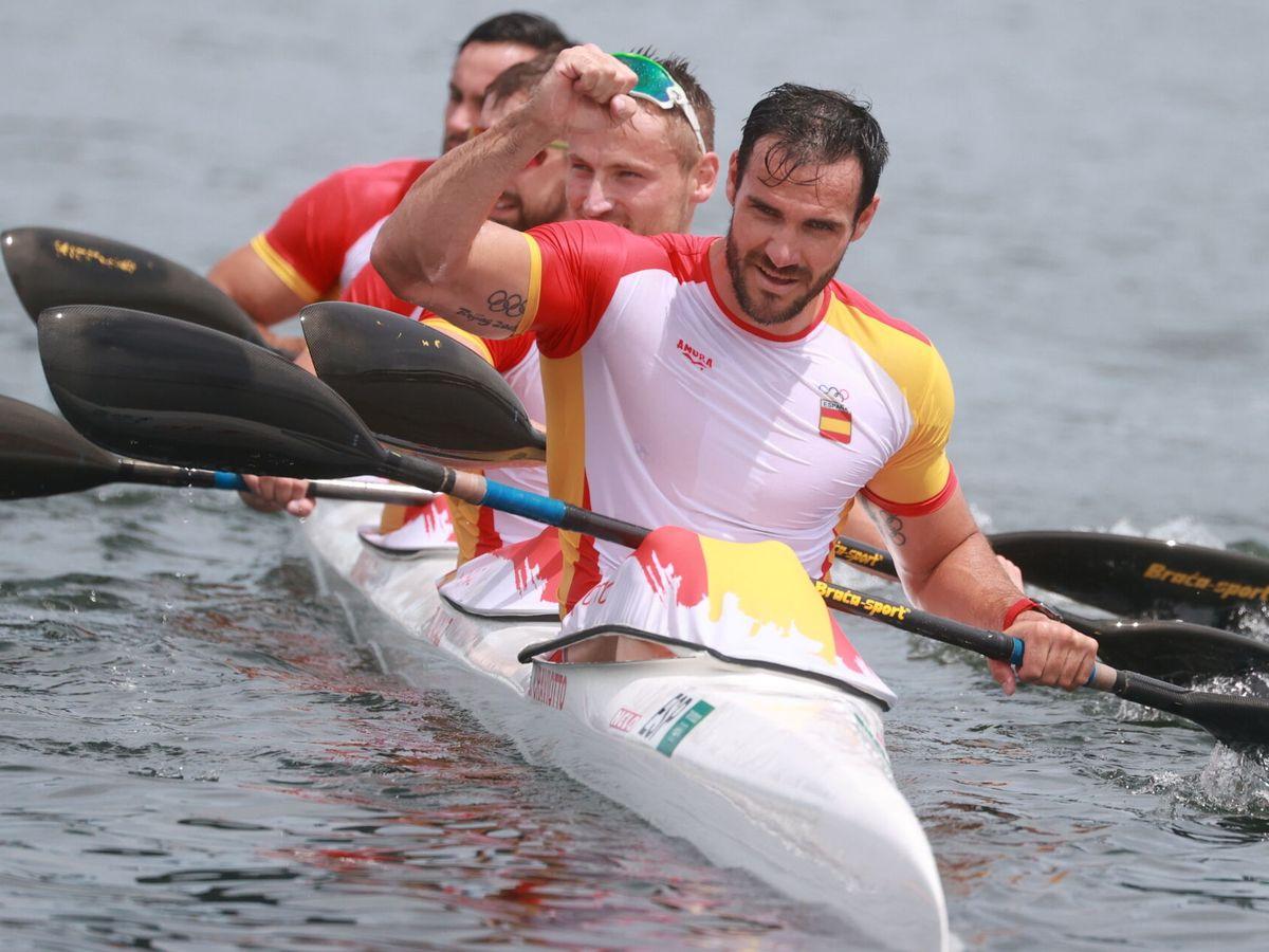 Foto: Saúl Craviotto y su equipo llegan a la victoria. (Reuters)