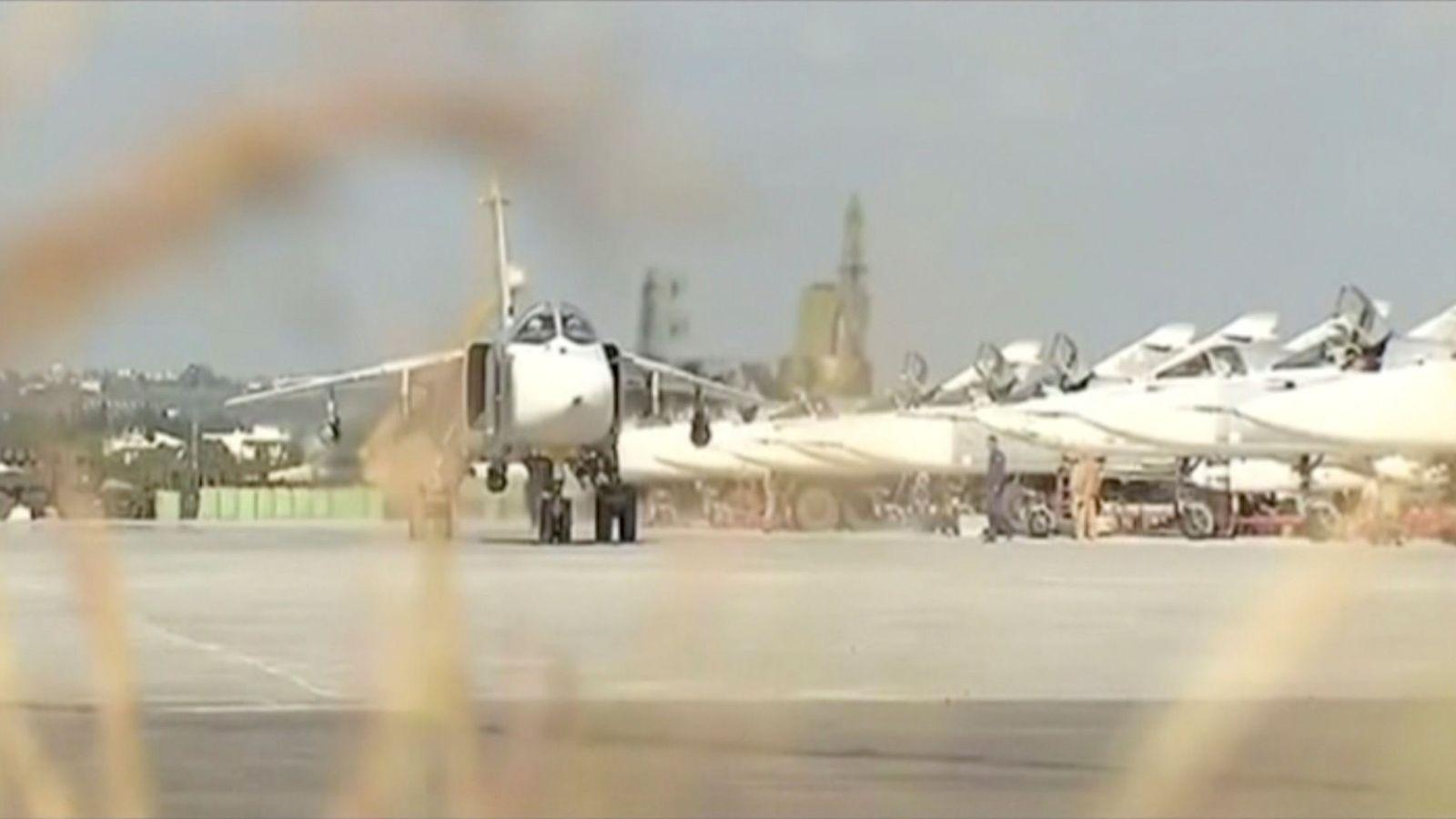 Foto: Captura de un vídeo de propaganda sobre cazas rusos en la base aérea de Khmeymim, en la provincia siria de Latakía. (Reuters)
