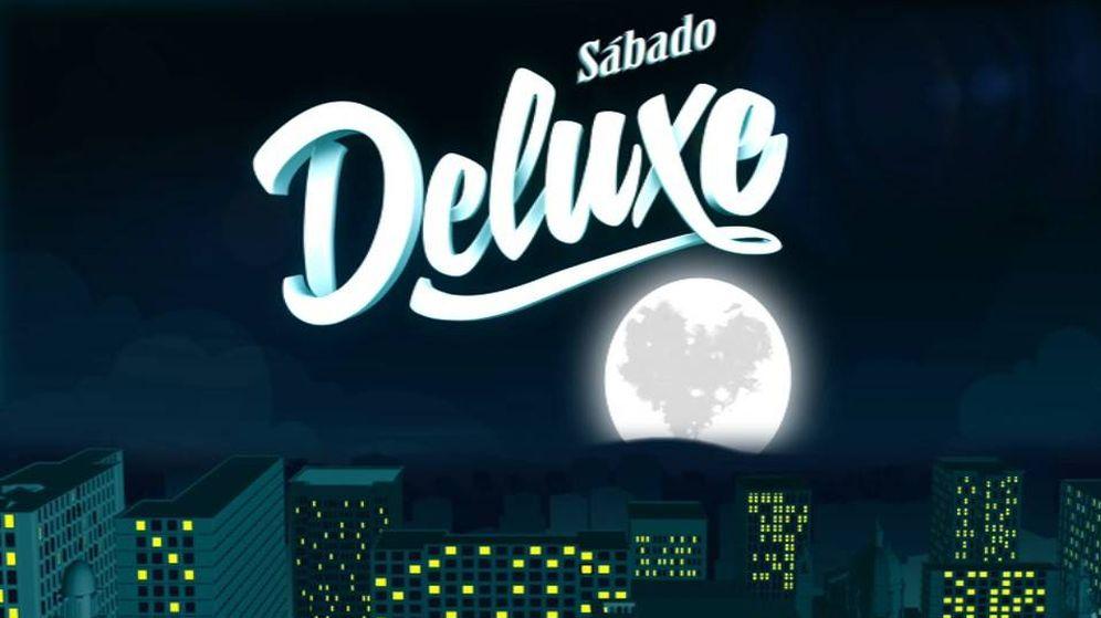 Foto: Logotipo de 'Sábado Deluxe'.