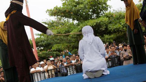 Los que asumen el riesgo de vivir al margen de la sharía en Indonesia