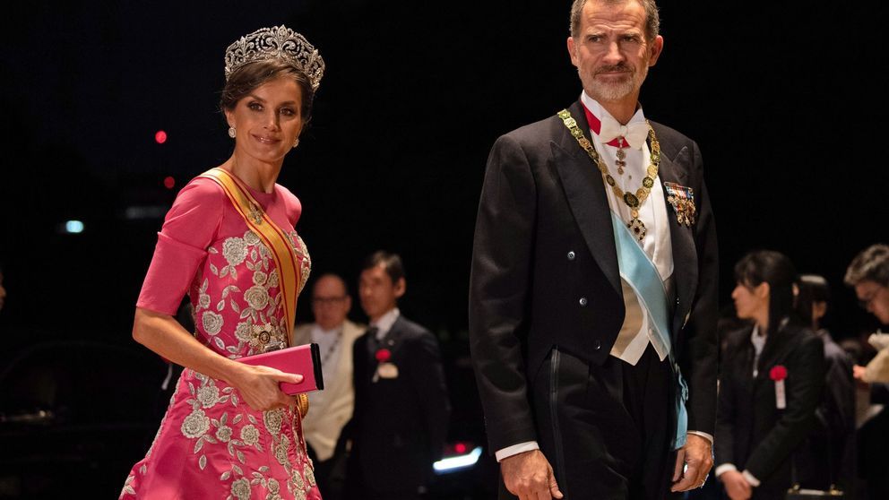 Cinco (y media) de ocho: las joyas de pasar que ha llevado hasta ahora la reina Letizia