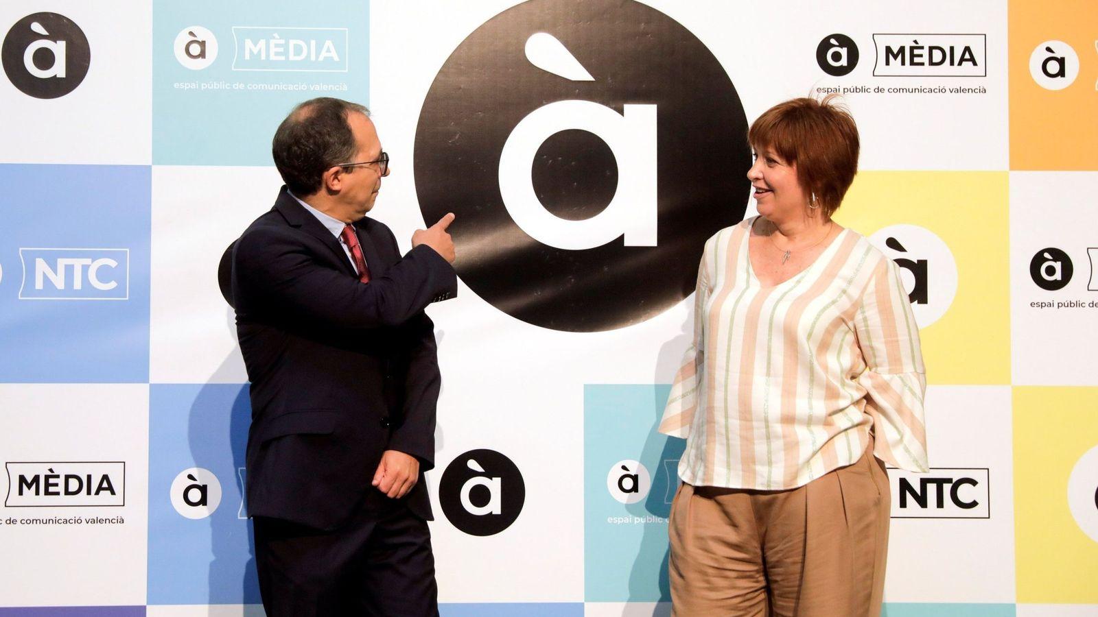 Foto: El presidente de la Corporación Valenciana de Medios de Comunicación (CVMC), Enrique Soriano, y la directora general de À Punt, Empar Marco. (EFE)