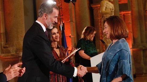 Blanca Berasategui sufre una caída en unos premios y Felipe VI se disculpa por ello