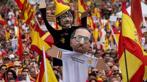 Los 'unionistas' llenan Barcelona de banderas y cantos contra Puigdemont y Sánchez
